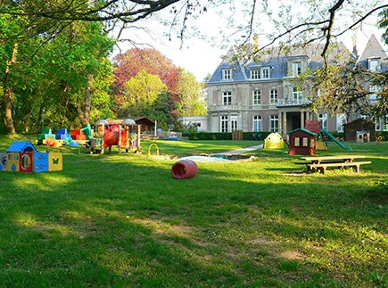 Protection de l'Enfance - Associations Spécialisées - 68052 - Mulhouse - L'Ermitage - Pouponnière et Accueil de jour - Centre Maternel et Centre Parental