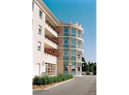 Etablissement d'Hébergement pour Personnes Agées Dépendantes - 69580 - Sathonay-Camp - EHPAD Résidence du Cercle (Réseau Oméris)