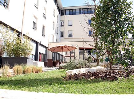 Etablissement d'Hébergement pour Personnes Agées Dépendantes - 69400 - Villefranche-sur-Saône - EHPAD Résidence Joseph Forest (Réseau Oméris)