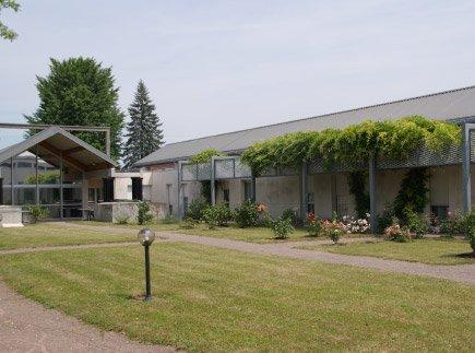 Etablissement d'Hébergement pour Personnes Agées Dépendantes - 70100 - Gray - EHPAD Les Capucins