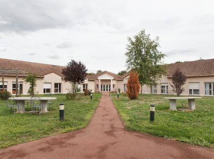 Etablissement d'Hébergement pour Personnes Agées Dépendantes - 71640 - Dracy-le-Fort - Colisée - Résidence Akésis