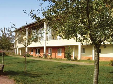Etablissement d'Hébergement pour Personnes Agées Dépendantes - 72560 - Changé - Korian Artemis