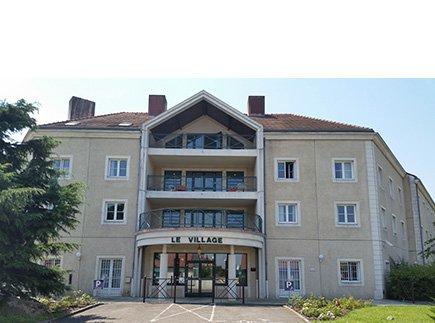 Etablissement d'Hébergement pour Personnes Agées Dépendantes - 77310 - Boissise-le-Roi - EHPAD Résidence Le Village