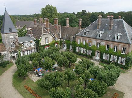 Etablissement d'Hébergement pour Personnes Agées Dépendantes - 77710 - Vaux-sur-Lunain - EHPAD Résidence Château de Villeniard