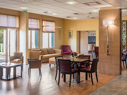 Etablissement d'Hébergement pour Personnes Agées Dépendantes - 78210 - Saint-Cyr-l'École - Korian Parc de l'Abbaye