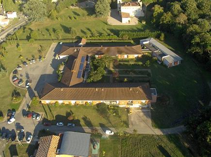 Etablissement d'Hébergement pour Personnes Agées Dépendantes - 82370 - Villebrumier - EHPAD Les Chênes Verts