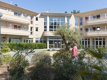 Etablissement d'Hébergement pour Personnes Agées Dépendantes - 83700 - Saint-Raphaël - EHPAD Les Jardins de Valescure Groupe Hermes Santé