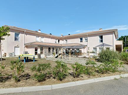 Etablissement d'Hébergement pour Personnes Agées Dépendantes - 83600 - Bagnols-en-Forêt - Colisée - Résidence Les Clos de Planestel