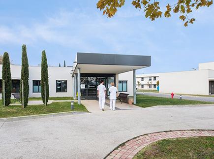 Centre de Soins de Suite - Réadaptation - 84140 - Montfavet - Korian - Clinique Les Cyprès