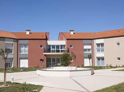 Etablissement d'Hébergement pour Personnes Agées Dépendantes - 85180 - Château-d'Olonne - Emera EHPAD Résidence Retraite Le Logis des Olonnes