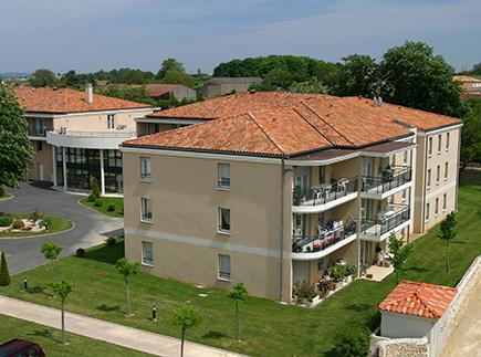 Etablissement d'Hébergement pour Personnes Agées Dépendantes - 86170 - Neuville-de-Poitou - EHPAD Résidence Les Jardins de Charlotte