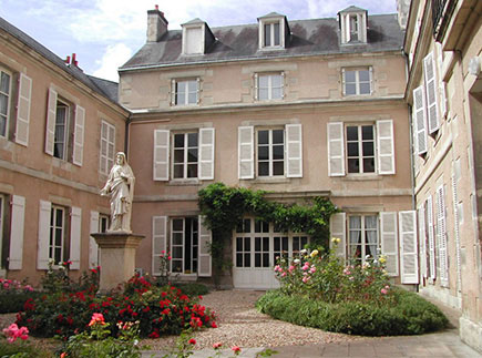 Maison de Retraite Médicalisée - 86035 - Poitiers - EHPAD - Fondation Partage et Vie - Résidence La Grand'Maison des Sacrés Coeurs