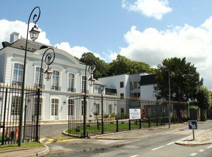 Etablissement d'Hébergement pour Personnes Agées Dépendantes - 91250 - Saintry-sur-Seine - EHPAD Résidence Château de Champlâtreux