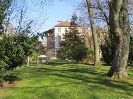 Etablissement d'Hébergement pour Personnes Agées Dépendantes - 92320 - Châtillon - EHPAD Fondation Lambrechts