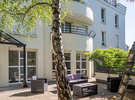 Etablissement d'Hébergement pour Personnes Agées Dépendantes - 92330 - Sceaux - Korian Saint-Charles