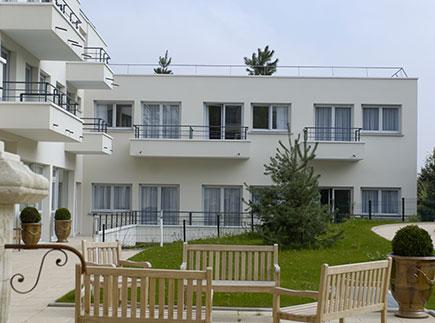 Etablissement d'Hébergement pour Personnes Agées Dépendantes - 92320 - Châtillon - Emera EHPAD Résidence Retraite du Parc