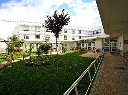 Etablissement d'Hébergement pour Personnes Agées Dépendantes - 94310 - Orly - La Maison du Saule Cendré EHPAD - Adef Résidences