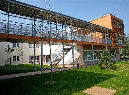 Etablissement d'Hébergement pour Personnes Agées Dépendantes - 94440 - Villecresnes - La Maison du Jardin des Roses EHPAD - Adef Résidences