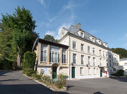 Etablissement d'Hébergement pour Personnes Agées Dépendantes - 95710 - Bray-et-Lû - Colisée - Résidence du Manoir