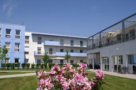 Etablissement d'Hébergement pour Personnes Agées Dépendantes - 95520 - Osny - EHPAD Résidence Le Clos de l'Oseraie